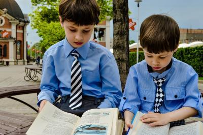 3 motive pentru care este bine să-ți îndrumi copilul să citească