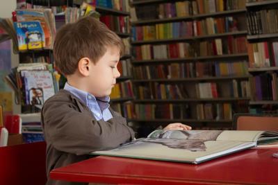 Cum îți ajuți copilul să învețe limba engleză mai ușor și cu drag?